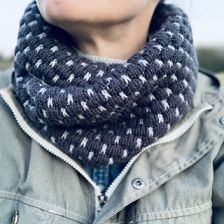 Tuck Stitches Cowl