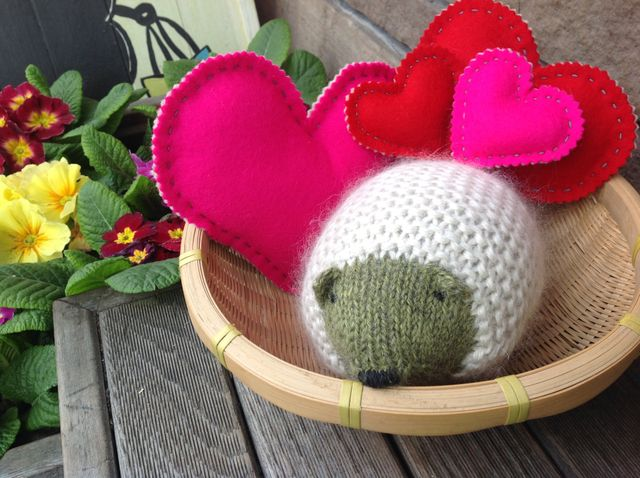Wool Felt Hearts and a cuddly Hedgehog for Valentine's Day
