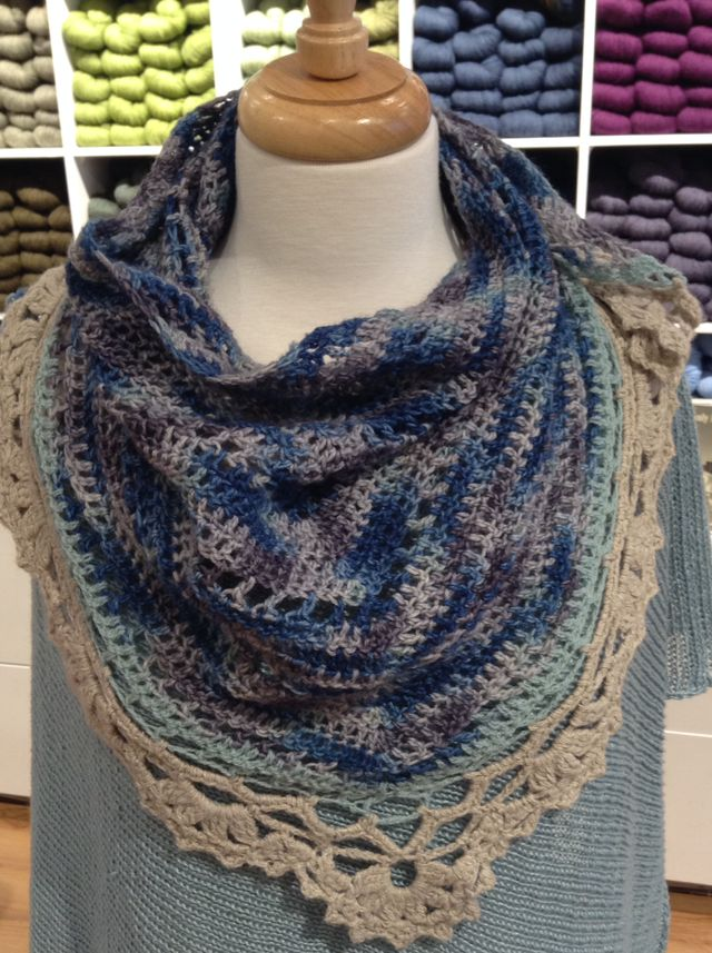 "<a href=""http://www.ravelry.com/patterns/library/belle-epoque-shawl"">Belle Epoque</a>"