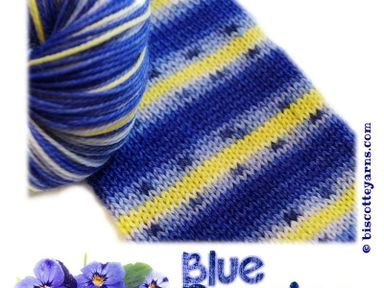 Bis-Sock Blue Pansies