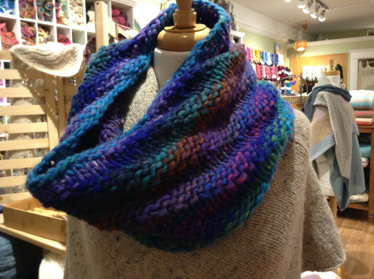 Squishy Soft Cowl in Kureyon Air
