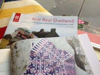 Knit Real Shetland: 15 Knitting Projects in Real Shetland Wool